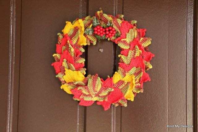 Crochet Fall Season Maple Wreath Free Pattern - Knot My Designs
