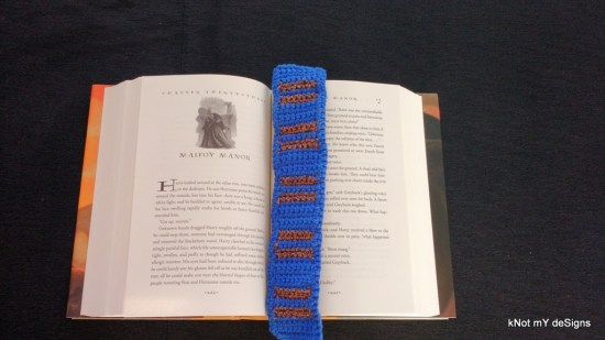 "Hogwarts House ""Ravenclaw"" Scarf Bookmark Free Pattern for Harry Potter Novel Series lover! - Knot My Designs"