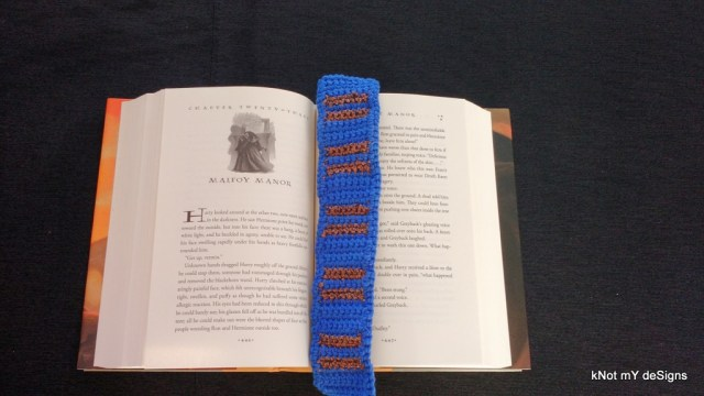 """Hogwarts House """"Ravenclaw"""" Scarf Bookmark Free Pattern for Harry Potter Novel Series lover! - Knot My Designs"""