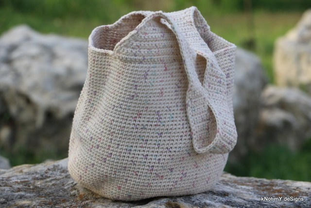 Crochet Quotidian Tote Bag Free Pattern for an adult woman - kNot mY deSigns