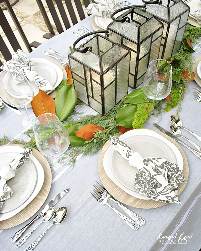 Magnolia leaves as table centerpiece 2