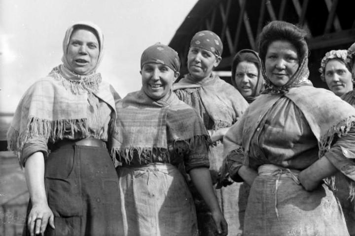Role Of Women In Society - English Essay - KnowledgeIDea