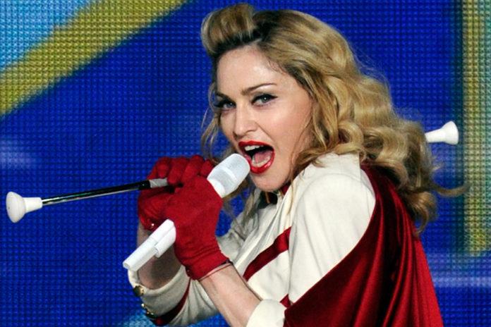 """Batuka"" Song Lyrics by ""Madonna"""