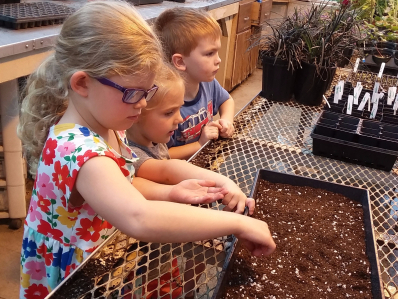 UT Gardens: Grands & Me (ages 4-12 with a grandparent) Camps