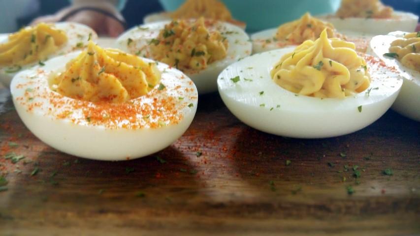 De lekkerste gevulde eieren maak je zo!