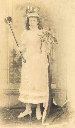 1893 Nellie Gidman