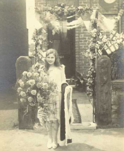 1929: Knutsford Royal May Queen 1929