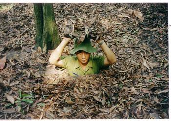 Vietnam-Cu-Chi-tunnel