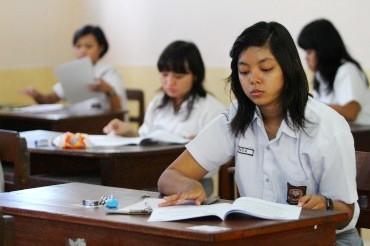 SMA Sederajat di KSB Kembali Terapkan Kurikulum 2006