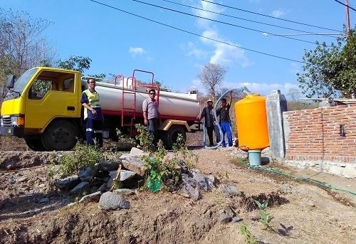 Newmont Gencar Distribusikan Air Bersih Untuk Warga Sekongkang