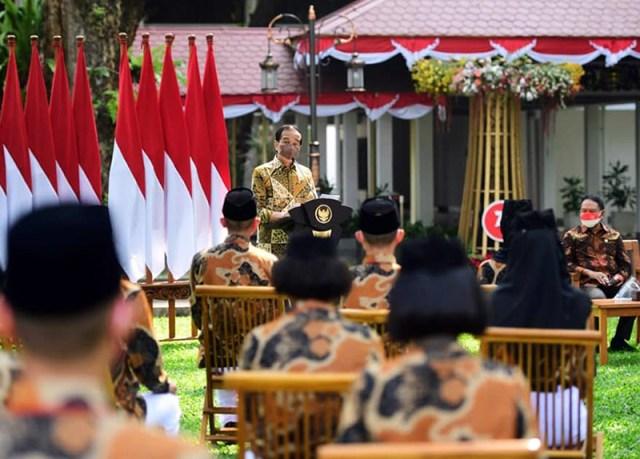 Mery Agustina dan Yasser Ramadhan Dinobatkan Sebagai Duta Pancasila Untuk NTB Oleh Presiden Jokowi di Istana Merdeka Presiden Joko Widodo