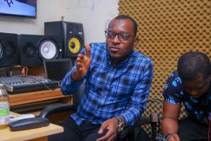 A DIE HARD FAN IS NOT SOMEONE WHO SUPPORTS ARTISTE ARGUMENT ON SOCIAL MEDIA – POSIGEE