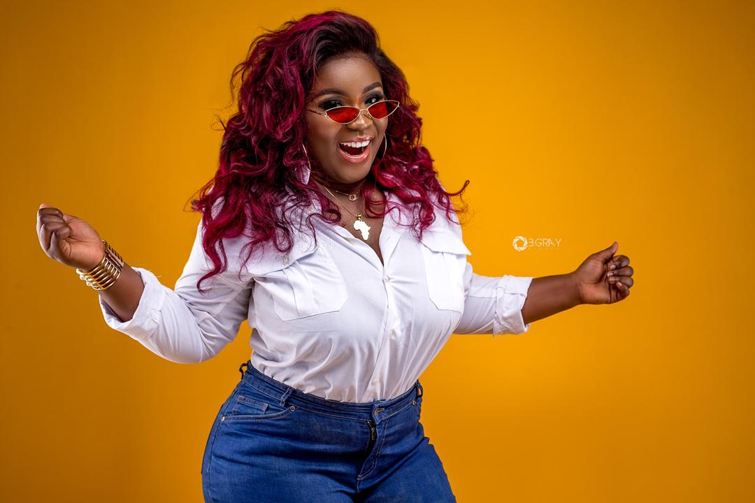 You are currently viewing WINNING AN AWARD AT THE OSCARS  WILL BE MY BIGGEST ACHIEVEMENT – MAAME SERWAA BRAGS.