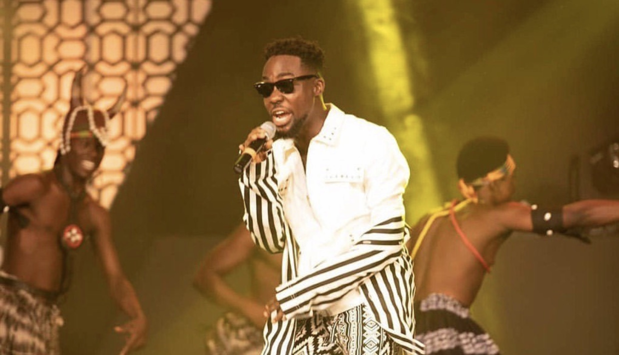 """TeePhlow offers """"Free Feature Sessions"""" for Central Region Artists"""