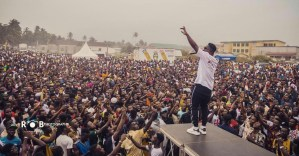 Sarkodie Thrills Fans At Korsah – Brown Beach Carnival