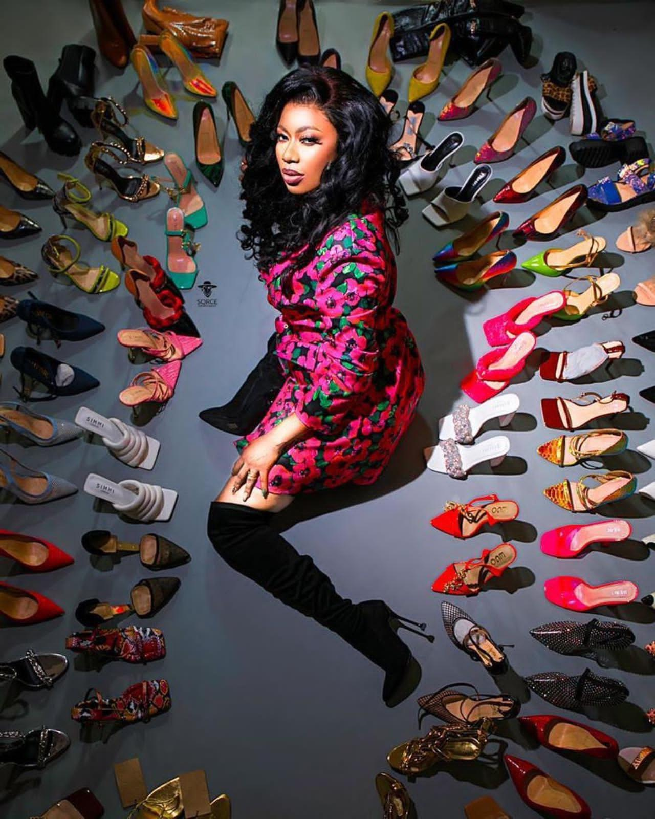 You are currently viewing Selly Galley is the face of Shoezonegh