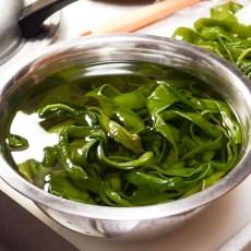 塩蔵茎わかめの塩抜き方法