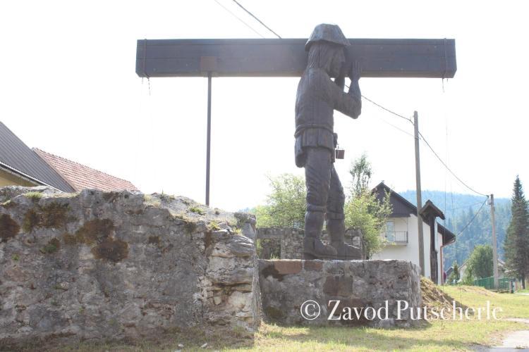 Peter Klepec - kip v Malem Logu