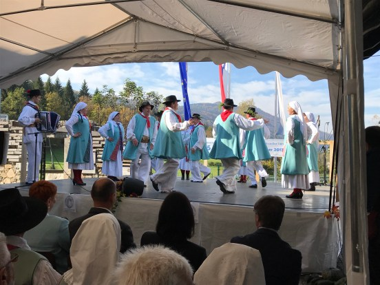 Performance of the Gottscheer Folklore Group of the Society of Native Gottschee Settlers at the 25the Aniversary of the Society, Občice, October 2018. Photo: Anja Moric.