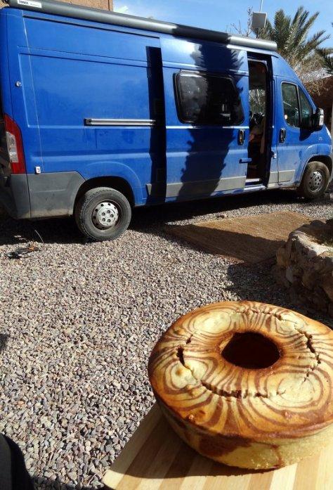 Zebrakuchen vor dem blauen Kasten kochen-und-backen-im-wohnmobil.de