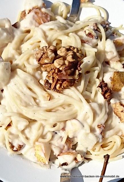 Käsesauce mit Birnen https://www.kochen-und-backen-im-wohnmobil.de