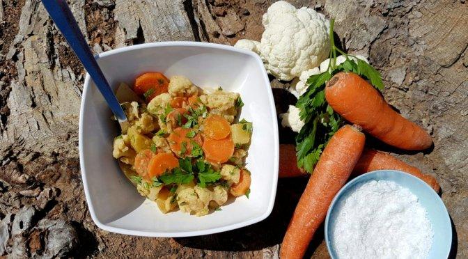 Gemüsecurry mit Erdnuss