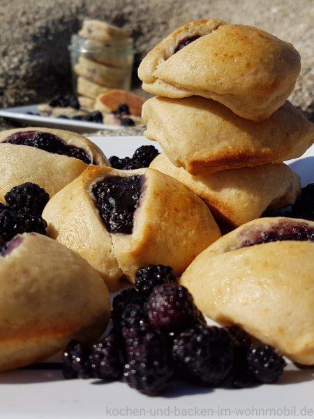 Hand Pies mit Brombeeren kochen-und-backen-im-wohnmobil