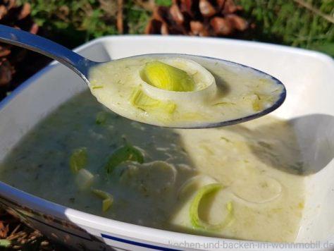 cremige Suppe mit Käse und Lauch