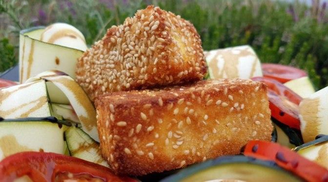 Panierte Feta Sticks mit Sesam
