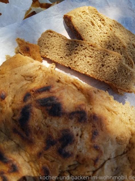 Topfbrot ohne Ofen auf dem Herd backen kochen-und-backen-im-wohnmobil.de