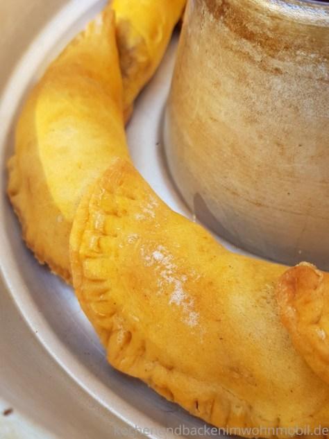 Omnia Backofen: Empanadas; gefüllte Teigtaschen, Pizzataschen oder Calzone