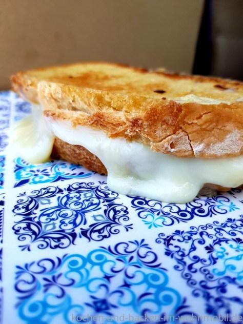 Schnelle Campingküche: Köstliches Grilled Cheese Sandwich