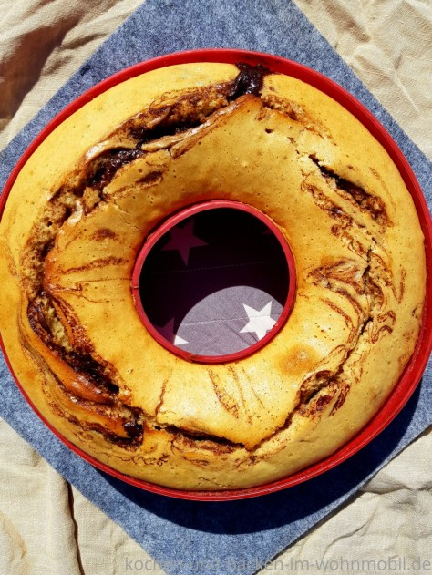 Kuchen backen im OMNIA: Marmorkuchen mit einem Wirbel aus Haselnussaufstrich