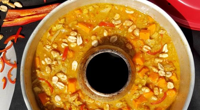 Kohlcurry mit Süßkartoffeln, Linsen und Erdnuss aus dem Omnia Backofen