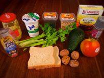 Zutaten für den Apfel Avocado Salat