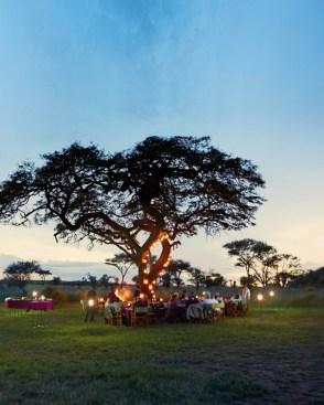 Die Privatjetreise bietet exklusive Ausflugsprogramme in kleinen Gruppen und besondere Arrangements wie Helikopterflüge, Ballonfahrten und Dinner-Erlebnisse inmitten eindrucksvoller Naturlandschaften oder vor historischer Originalkulisse.