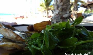 Kingfisch mit Salat am Strand, Burj al Arab, Dubai