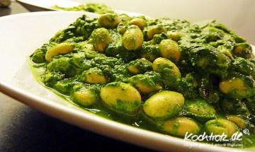 Sojabohnen und Spinat, indisch