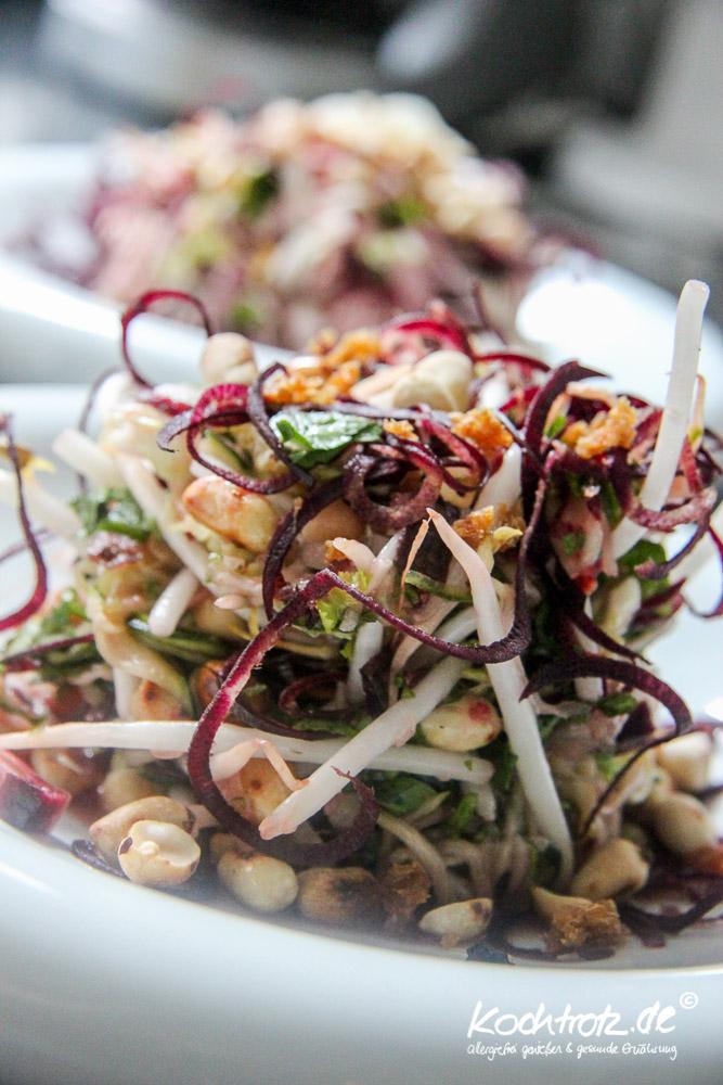 glasnudelsalat-mit-zucchini-nudeln-low-carb-1-5