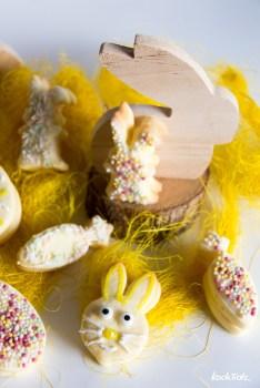 Glutenfreie Osterkekse | Zitronige Doppelkekse mit weißer Schokoladen-Frischkäsefüllung | optional fructosearm - KochTrotz