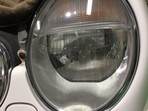 S210のヘッドライト磨き