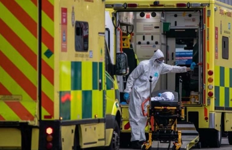 U.K. to Decide on Flight Quarantine as Covid Deaths Near 100,000