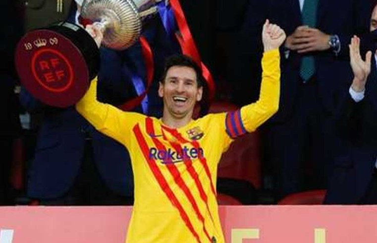 Lionel Messi contract: Barcelona 'raise urgency' to complete deal