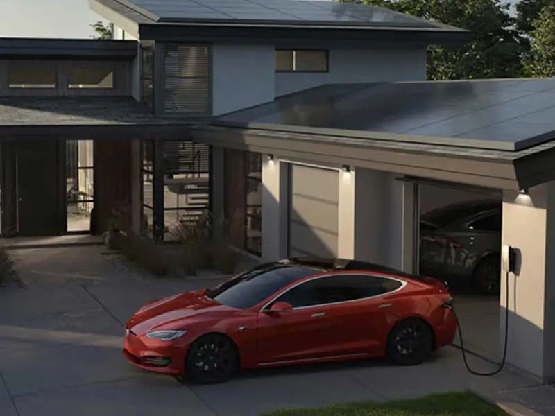 Tesla update activates the in-car camera for driver monitoring