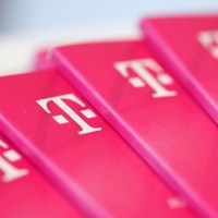 Deutsche Telekom shares advance on earnings beat and raised guidance