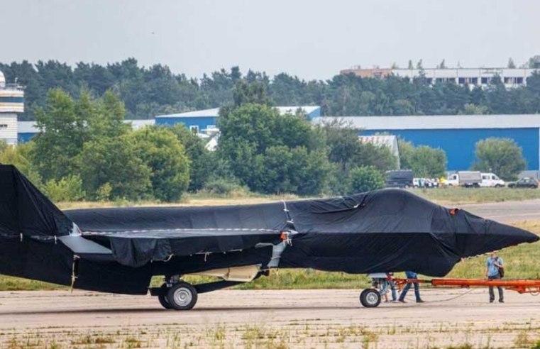 "U.S. intelligence calls new Russian fighter jet a ""Screamer"""