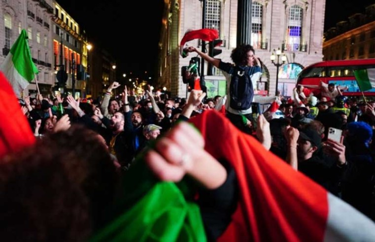 Euro 2020: Italians in London celebrate into the night after victory over England
