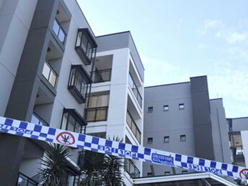 Sydney to remain in lockdown as cluster grows