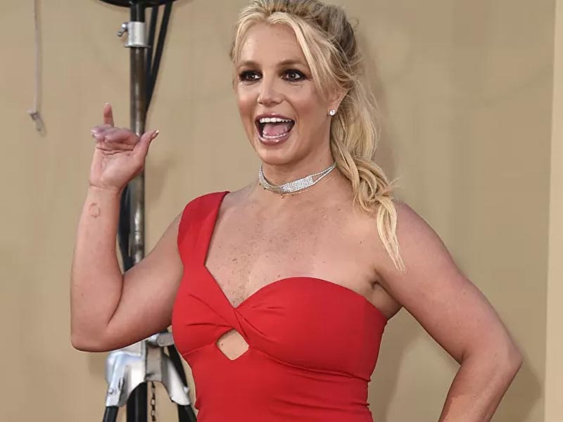 Britney Spears Posts More Topless Pics to See Herself in 'Lighter Way' After Conservatorship Battle