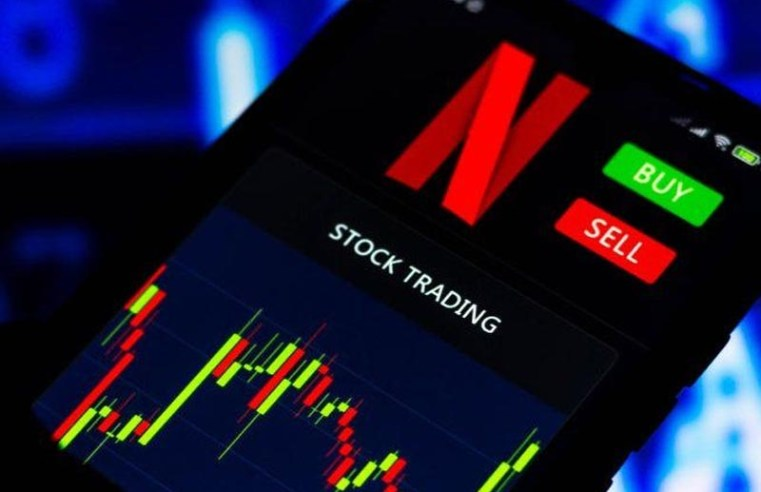 Former Netflix staffers charged for making $3m from insider trading